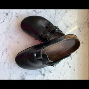 Women's Black Birkenstock Clogs, Size 10